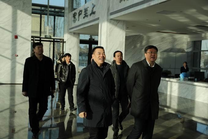 锦州滨海新区管委会副主任张弛莅临我司检查指导工作