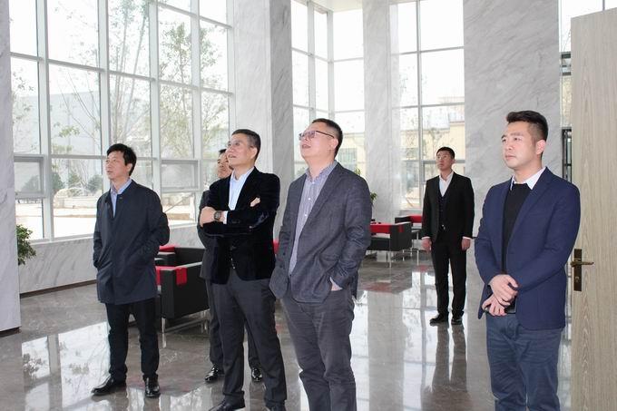 锦州银行总行副行长王昕及风险总监韩震在公司禹董事长陪同下到我公司考察